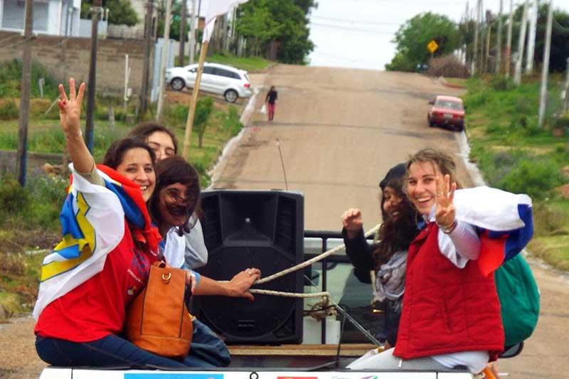 48 años del FA: «Casi me olvido de votar», por Manuela Mutti