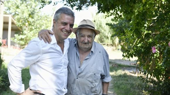 Mujica explica por qué apoya a Álvaro Villar, un médico brillante con mucha experiencia de gestión humana
